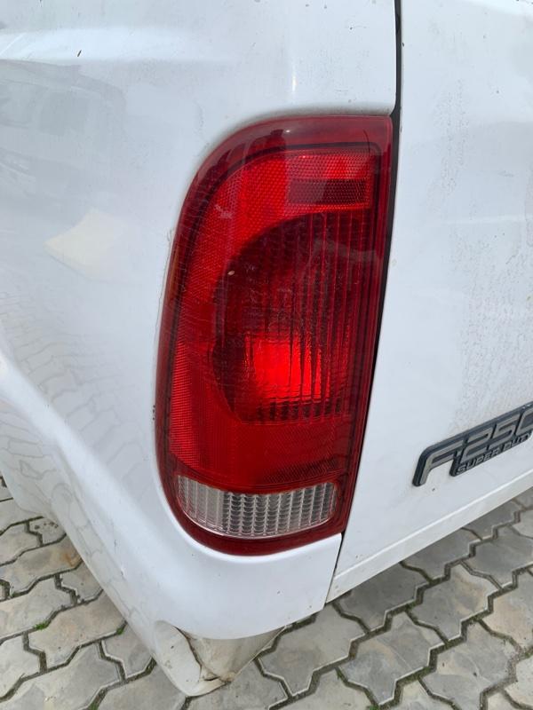 Стоп-сигнал Ford F250 1FTNX21P53ED86740 6.0 2003 левый (б/у)