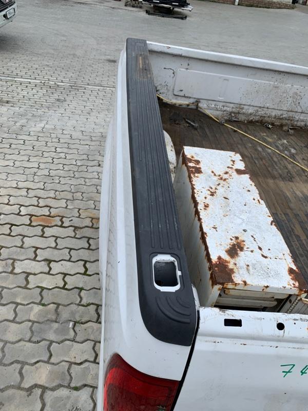 Накладка кузова Ford F250 1FTNX21P53ED86740 6.0 2003 задняя левая (б/у)
