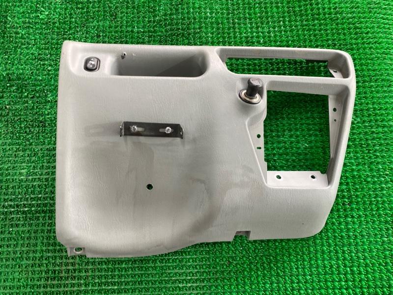 Пластик под руль Ford F250 1FTNX21P53ED86740 6.0 2003 (б/у)