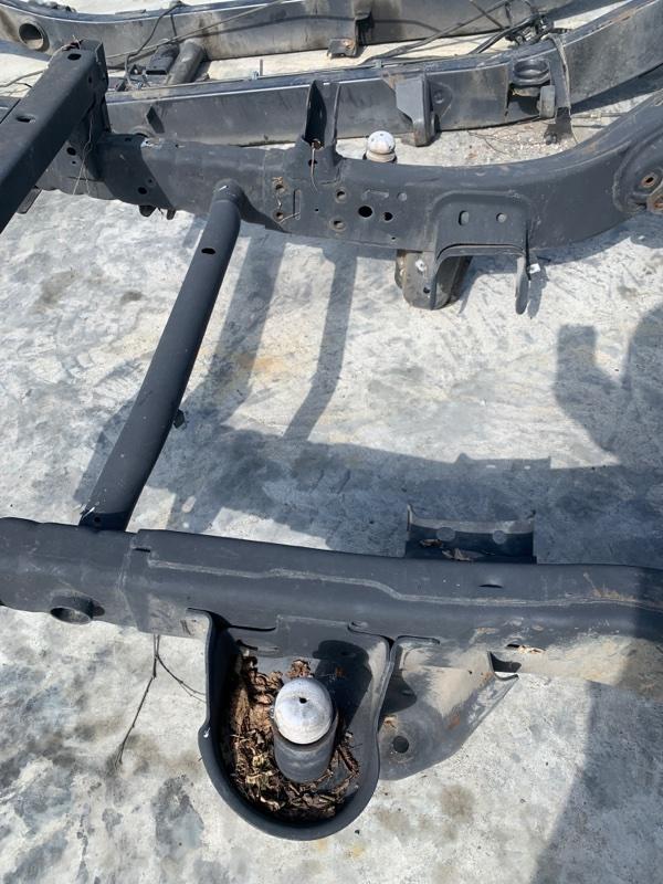 Отбойник моста Jeep Wrangler JK ERB 2008 передний (б/у)