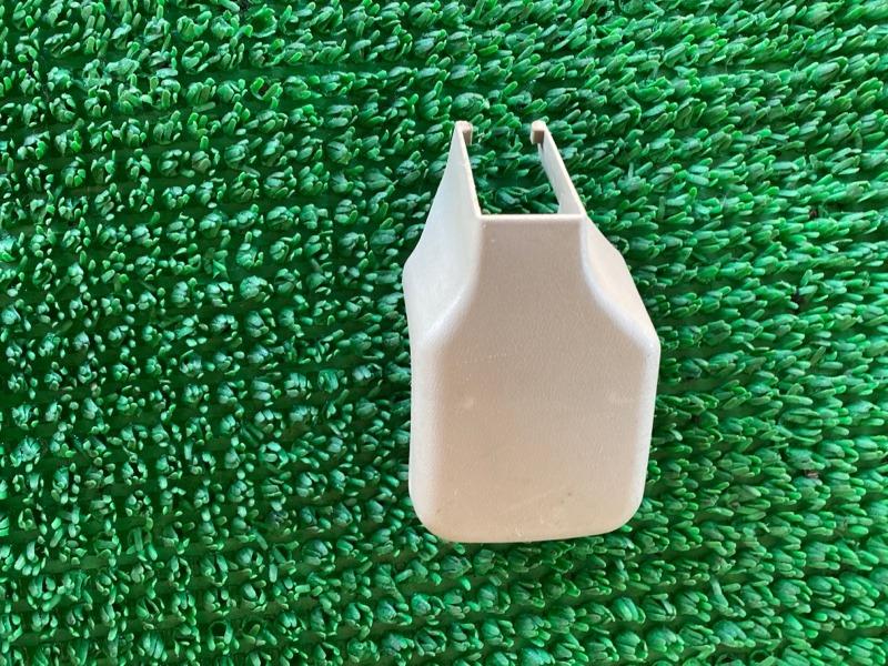 Крышка петли сиденья Infiniti Qx4 JR50 VQ35DE 1998 правая (б/у)