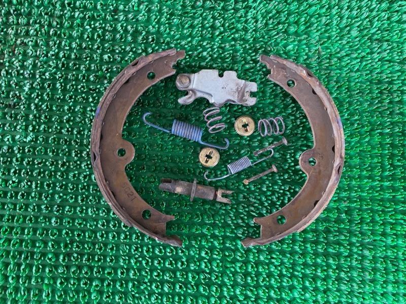 Колодки ручника Lexus Gs GRS196 3GRFSE 2008 правые (б/у)