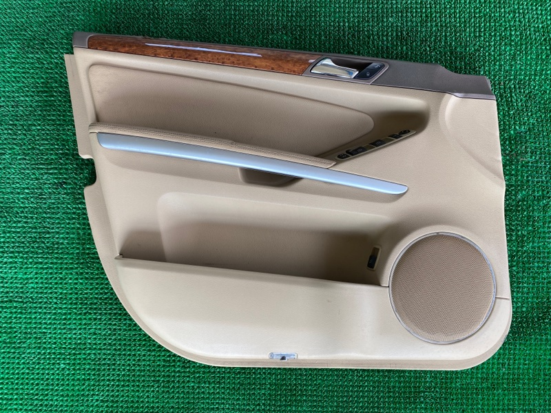 Обшивка двери Mercedes-Benz Gl-Class X164 M273E46 2007 передняя левая (б/у)