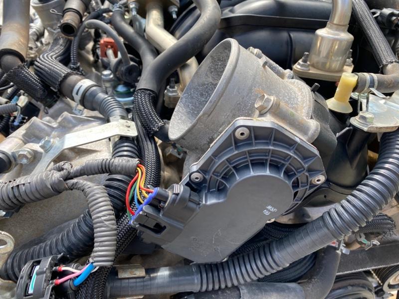 Заслонка дроссельная Toyota Land Cruiser URJ202 1URFE 2007 (б/у)