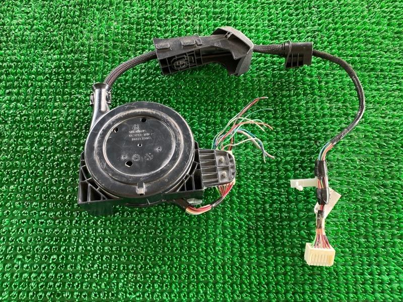 Замок крышки багажника Infiniti M35 Y50 VQ35DE 2005 (б/у)
