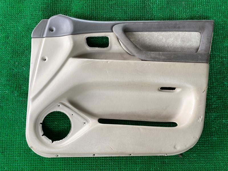 Обшивка двери Toyota Land Cruiser UZJ100 2UZFE 1998 передняя правая (б/у)