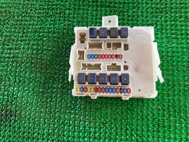 Блок предохранителей Nissan Armada TA60 VK56DE 2003 (б/у)