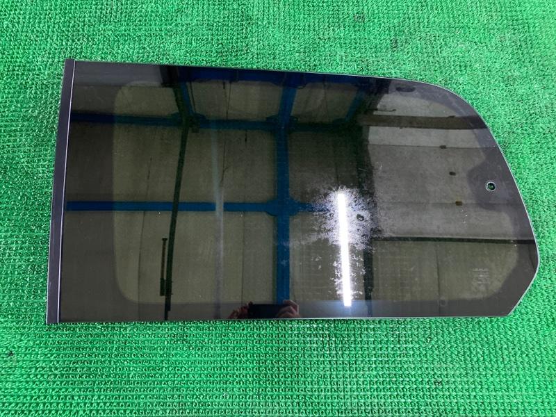 Стекло собачника Lexus Lx470 UZJ100 2UZFE 2002 левое (б/у)