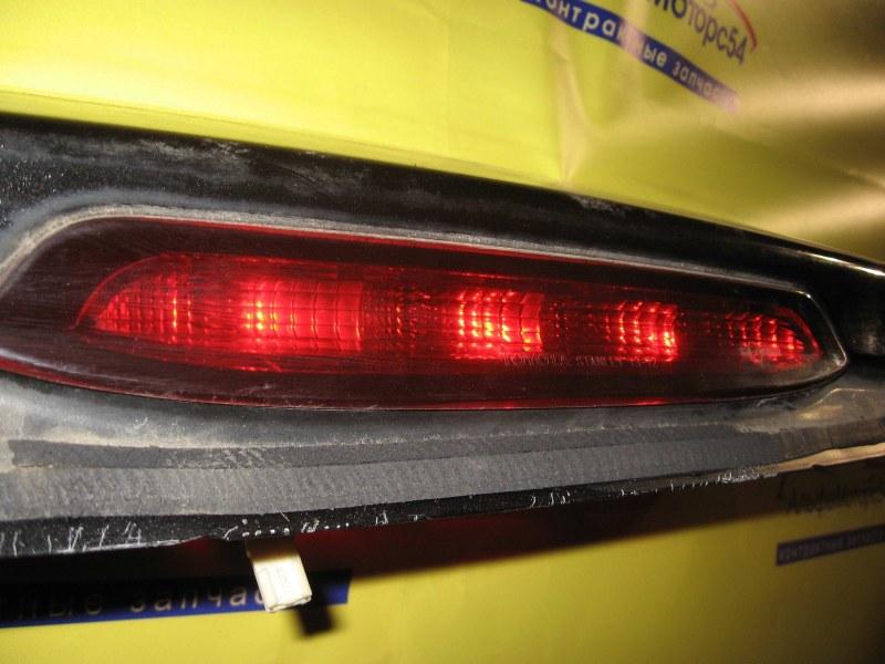 Центральный фонарь тормоза Toyota Corolla Spacio NZE121