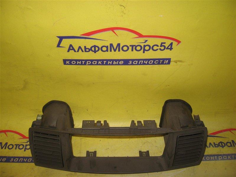 Панель под магнитофон Toyota Corolla Fielder NZE121 1NZ-FE 2001