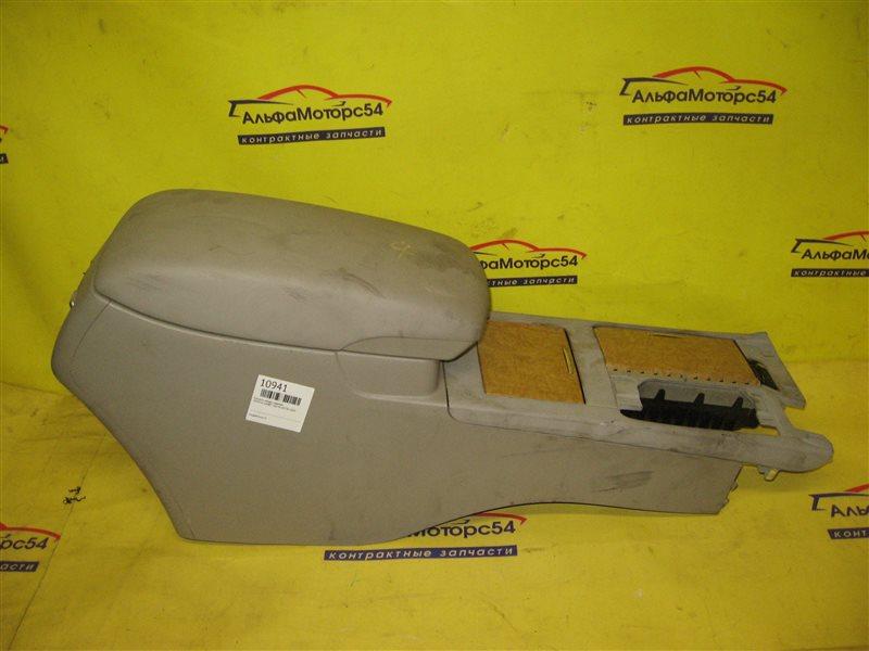 Консоль между сидений Toyota Camry ACV40 2AZ-FE 2003