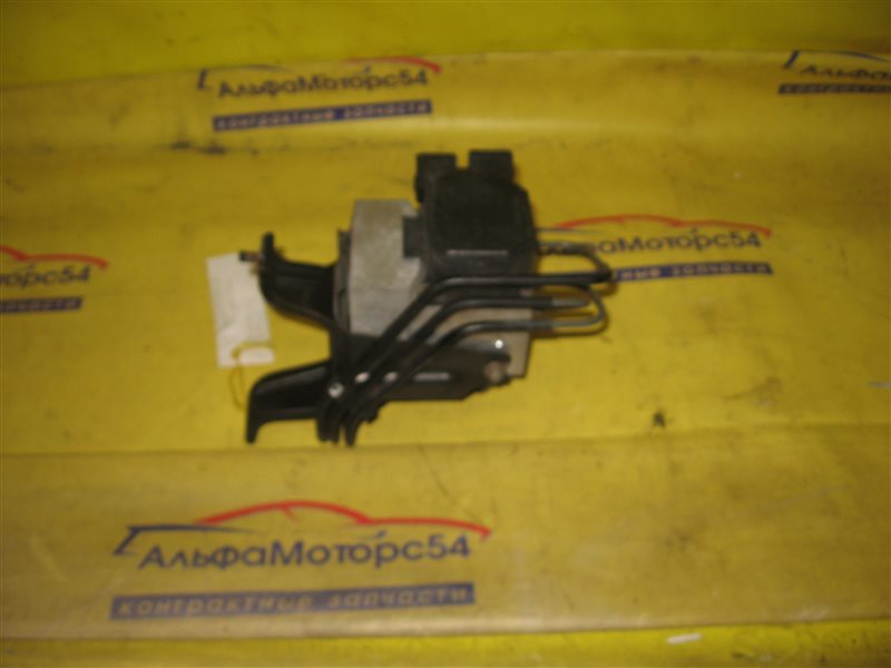 Блок abs Toyota Harrier MCU15 1MZ-FE 1999