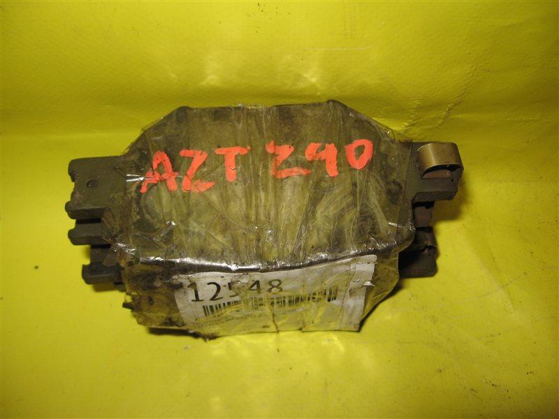 Тормозные колодки Toyota Premio AZT240 переднее