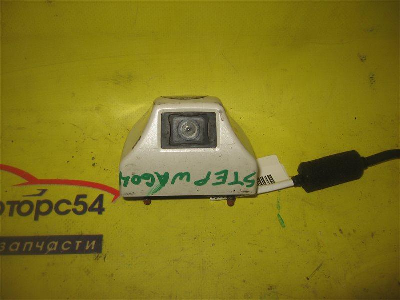 Видеокамера Honda Stepwagon RF3