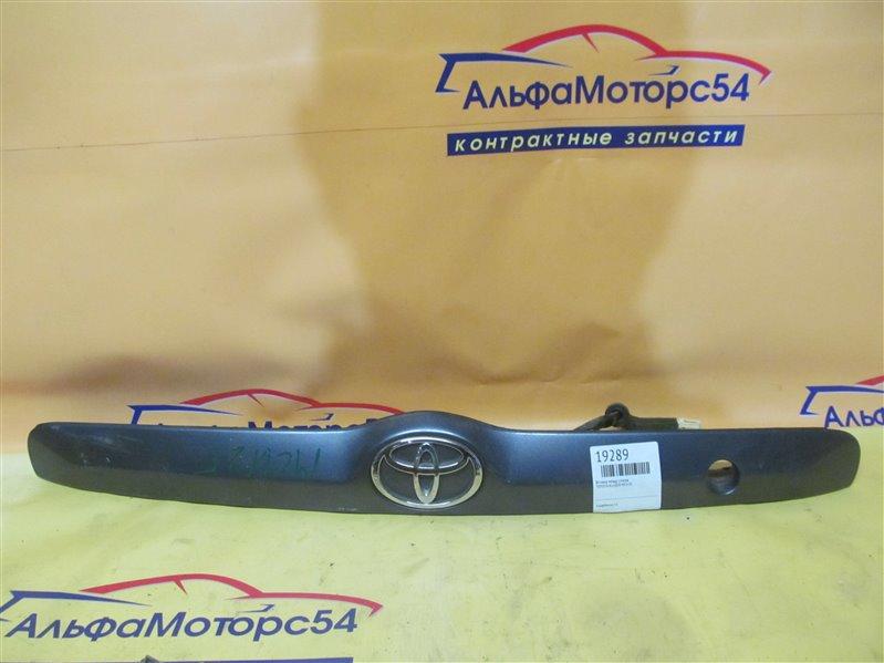 Вставка между стопов Toyota Kluger MCU20 1MZ-FE 2003