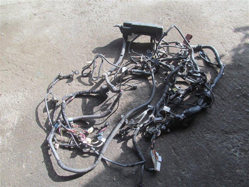 Коса под капот Toyota Corolla NZE121 1NZ-FE 2001