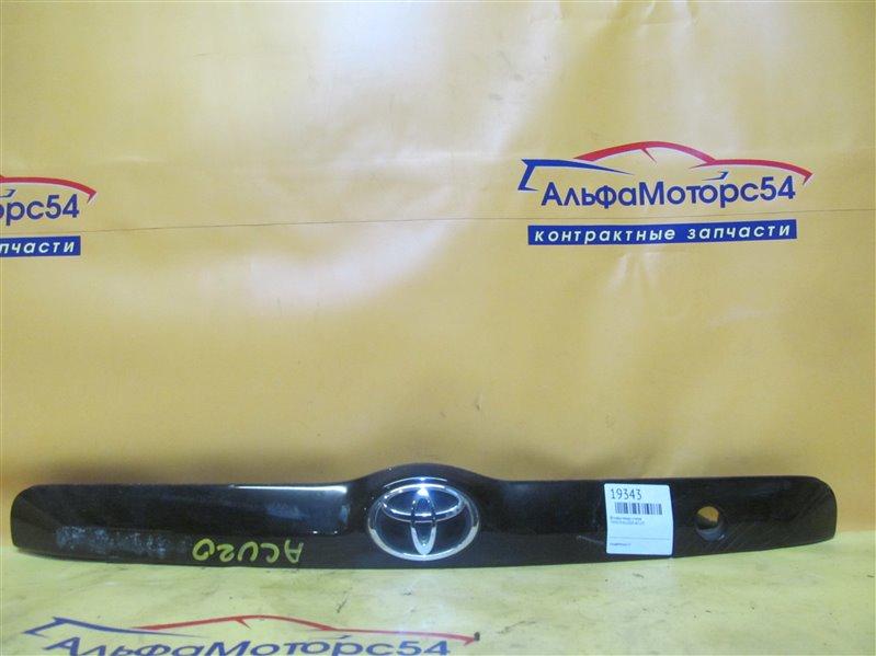 Вставка между стопов Toyota Kluger ACU20 2AZ-FE 2003
