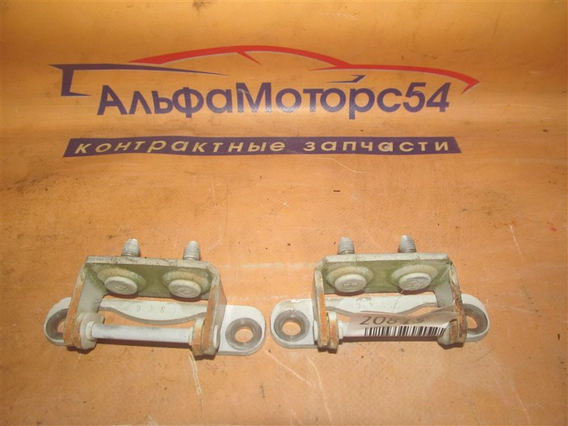 Петли 5-й двери Subaru Forester SG5