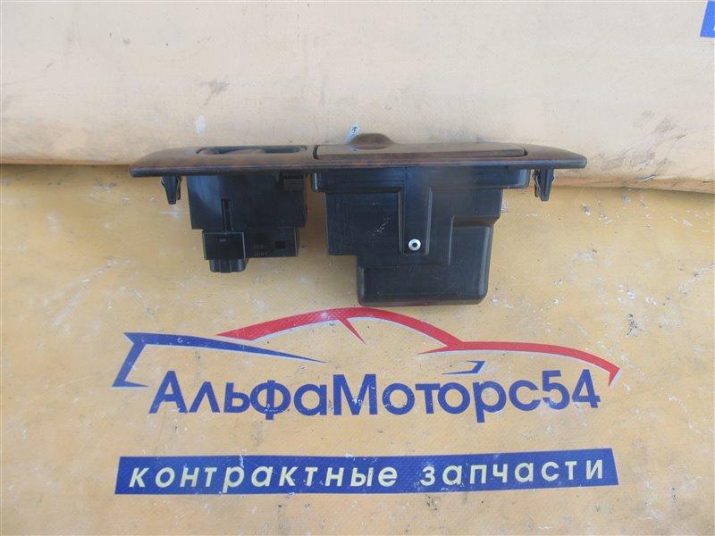Кнопка стеклоподъемника Toyota Harrier MCU15 задняя правая