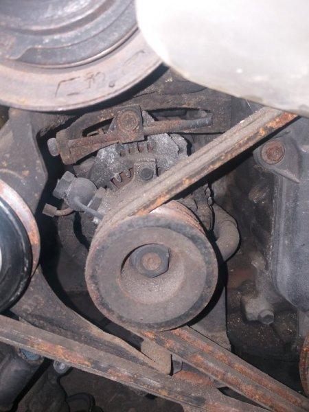 Генератор Toyota Chaser LX100 2LT
