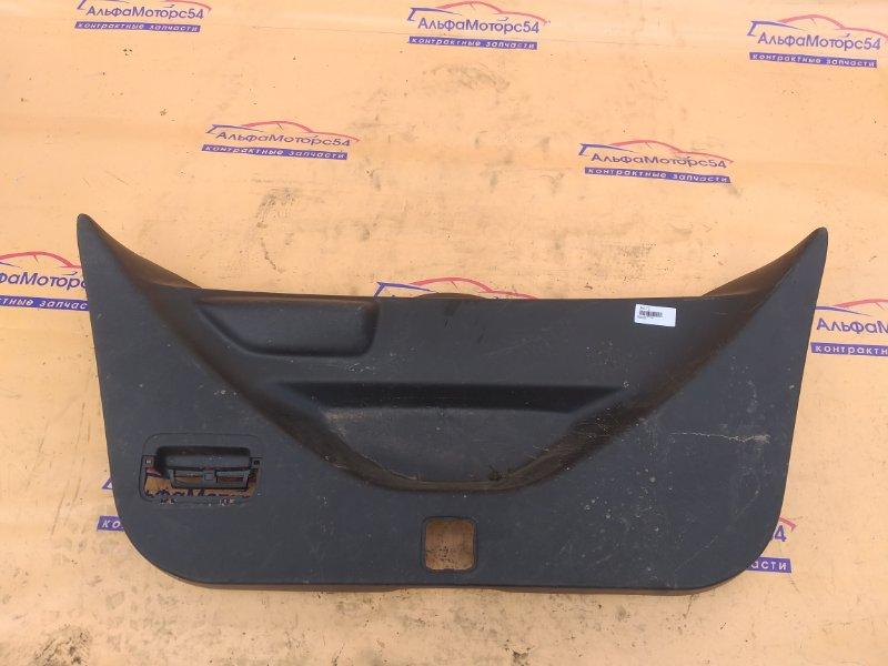 Обшивка двери багажника Honda Fit GE6