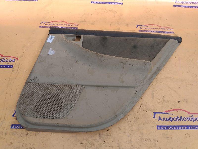 Обшивка дверей Toyota Corolla NZE121 задняя правая