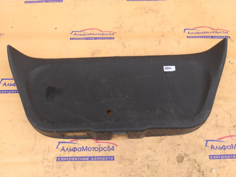 Обшивка двери багажника Honda Fit GD1