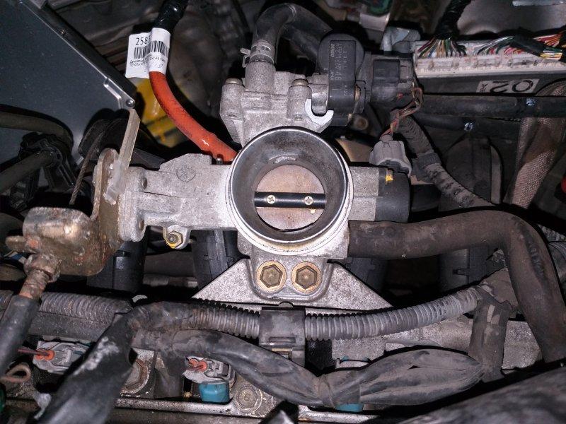 Дроссельная заслонка Toyota Vitz SCP10 1SZ-FE 2003