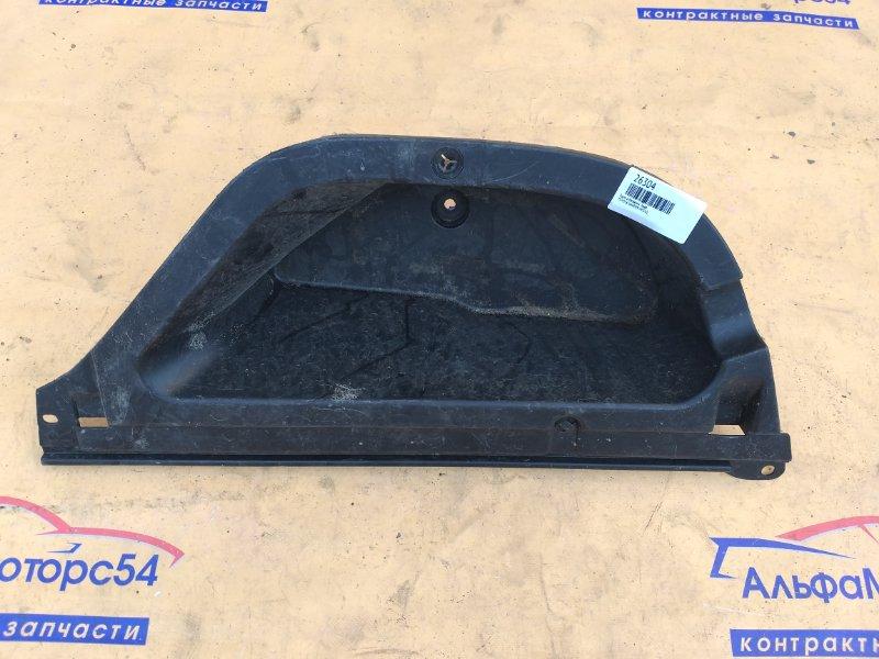 Ящик в багажник Toyota Harrier MCU15 1MZ-FE 2000 правый