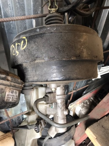 Главный тормозной цилиндр Toyota Avensis AZT250 1AZ-FSE 2005