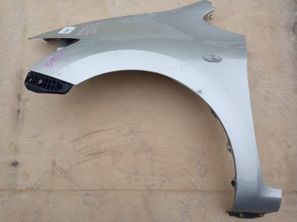 Крыло Toyota Auris NZE151 1NZ-FE переднее левое