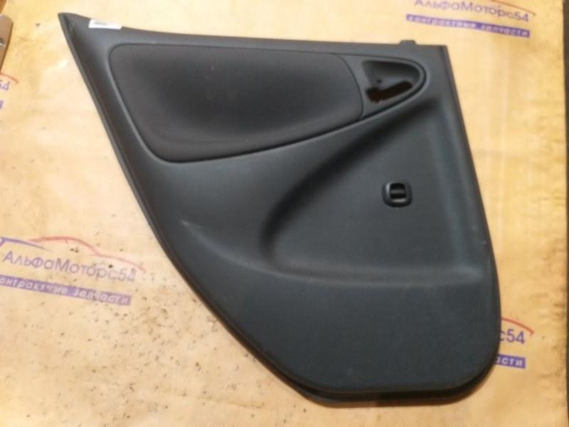 Обшивка дверей Toyota Vitz SCP10 1SZ-FE 2000 задняя левая