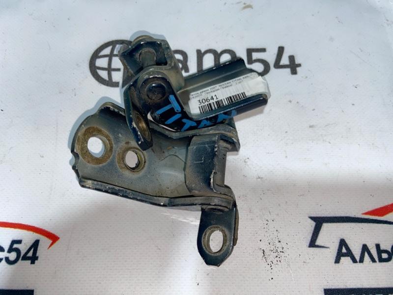 Петля дверная Nissan Titan A60 VK56DE передняя правая