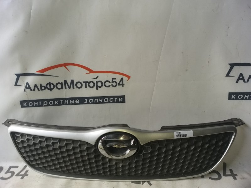 Решетка радиатора Toyota Corolla NZE121