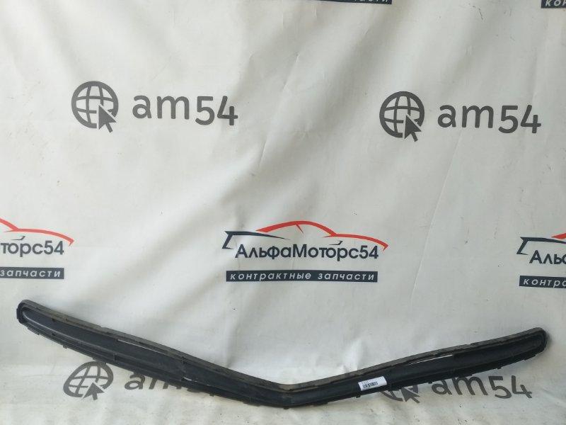 Решетка бамперная Toyota Ractis NCP100 1NZ-FE 2007 верхняя