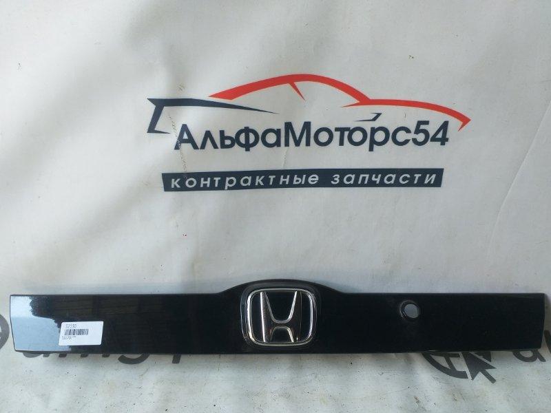 Вставка между стопов Honda Fit GE6