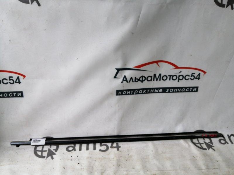 Молдинг стекла Toyota Premio ZRT260 2ZR-FE передний правый