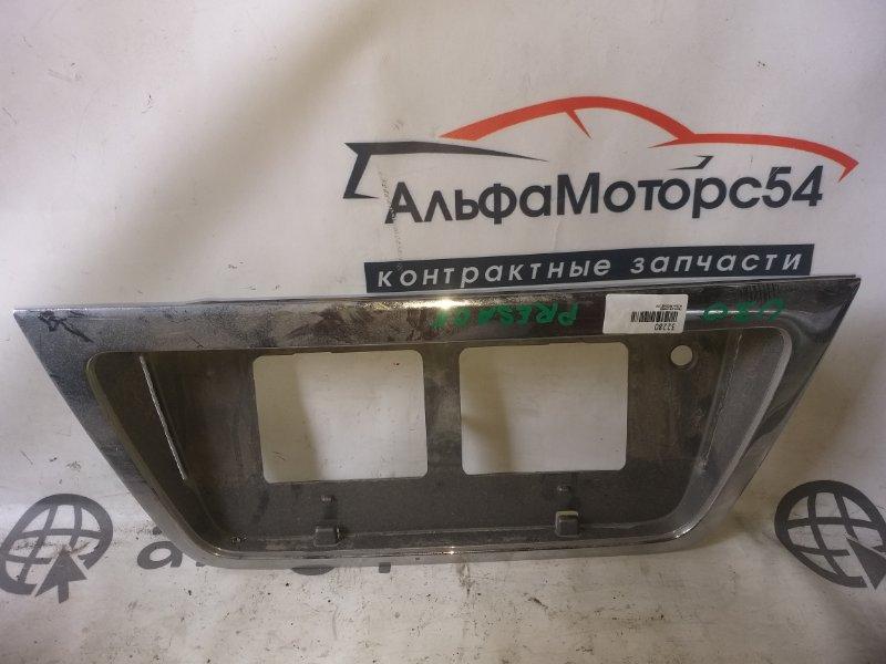 Рамка для номера Nissan Presage U30
