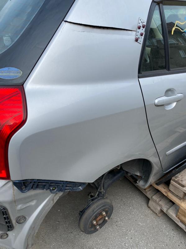 Крыло Toyota Allex NZE121 1NZ-FE 2001 заднее правое