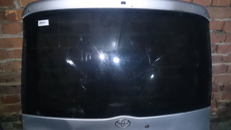 Стекло двери 5-й Toyota Funcargo NCP21 1NZ-FE 2002