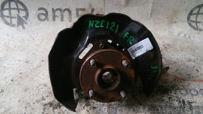 Ступица Toyota Corolla NZE121 1NZ-FE передняя правая