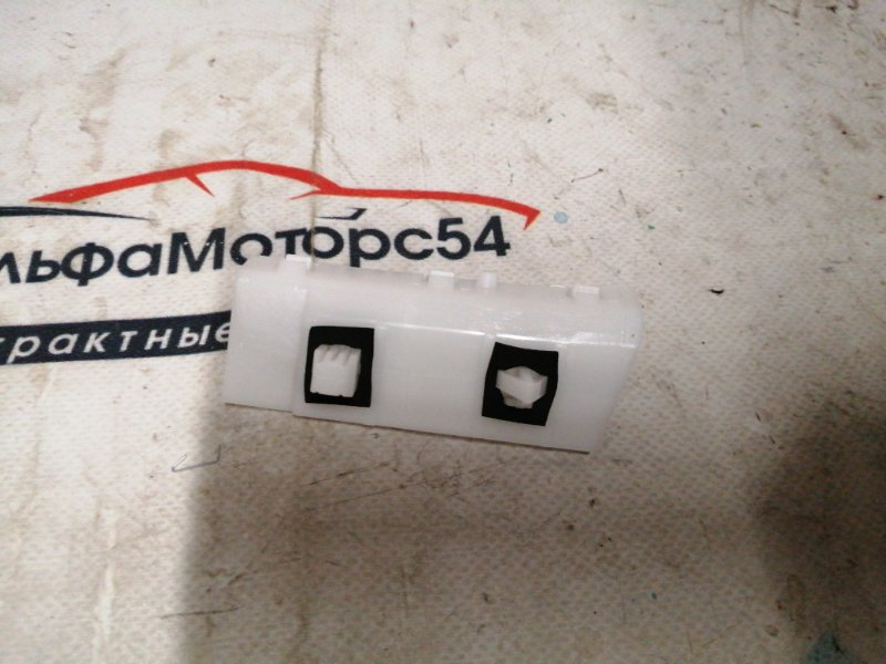 Кронштейн крепления бампера Nissan Note E11 HR15DE 2004 задний правый