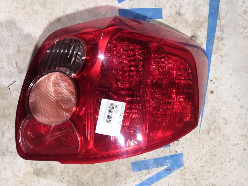 Стоп-сигнал Toyota Auris NZE151 1NZ-FE 2007 задний правый