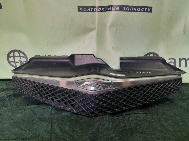Решетка радиатора Toyota Ractis NCP100 1NZ-FE 2004 передняя