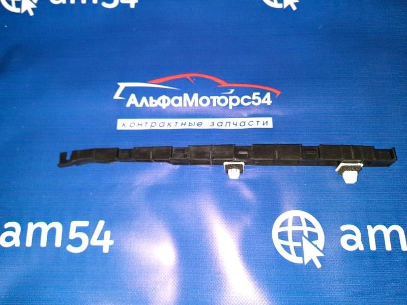 Кронштейн крепления бампера Honda Fit GD1 L13A 2001 задний правый