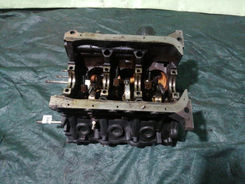 Блок двс Toyota Grand Hiace VCH10 5VZ-FE