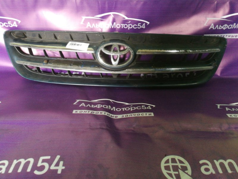 Решетка радиатора Toyota Ipsum SXM10 3S-FE 1999