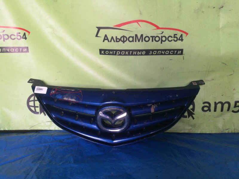 Решетка радиатора Mazda Atenza GG3S L3-VE 2004 передняя