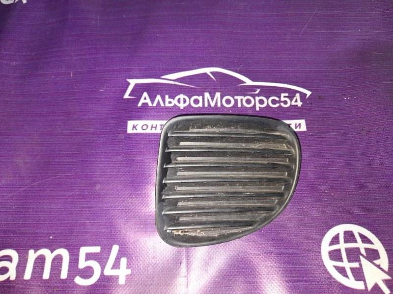 Заглушка бампера Toyota Funcargo NCP20 1NZ-FE 2000 передняя правая