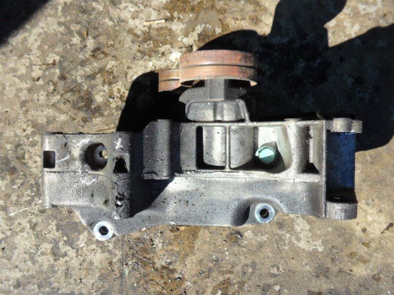 Кронштейн генератора и компрессора кондиционера Vw Golf 4 AXP